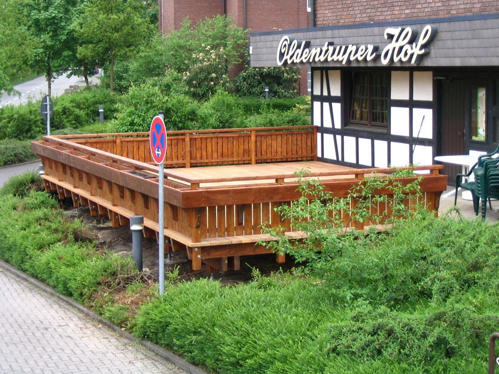 Balkone aus holz erhöhen die lebensqualität sei es im landhaus ...